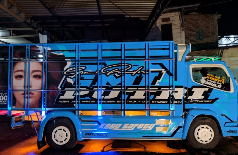 cutting sticker truck canter konsep terbaru warna biru simpel elegan by dot sticker truck
