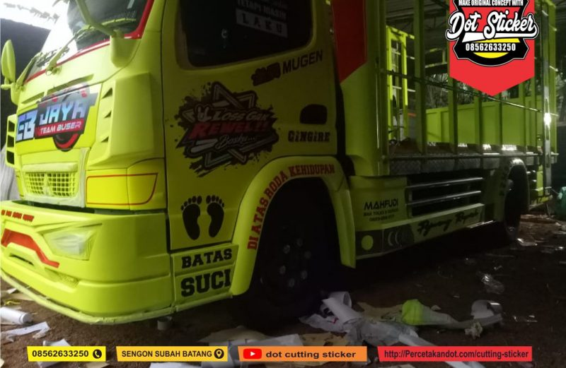 cutting sticker keren truck ayam hijau stabilo dot sticker