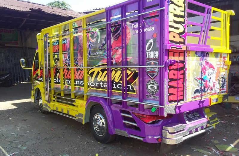 Cutting Sticker Truck Canter Printing Kombinasi Kuning Ungu by dot sticker