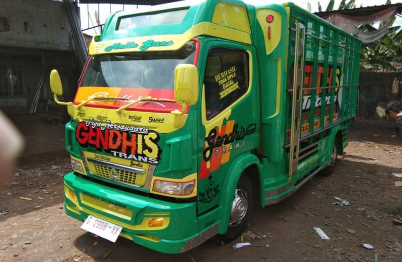 Cutting Sticker Truck Canter Hijau Gendhis Trans By Dot Sticker