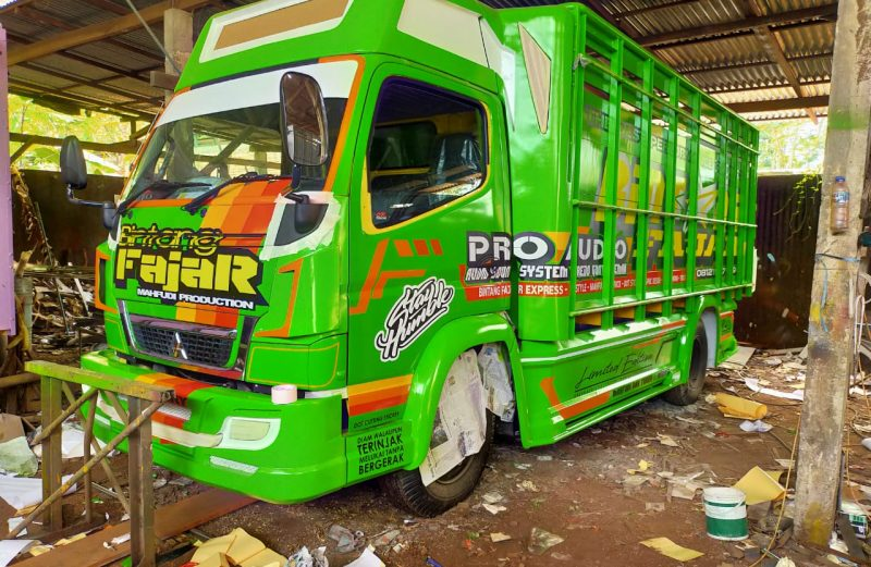 cutting sticker truck canter hijau full variasi dot sticker